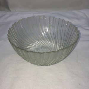 Vintage Arcoroc Seabreeze Scalloped Glass Bowl